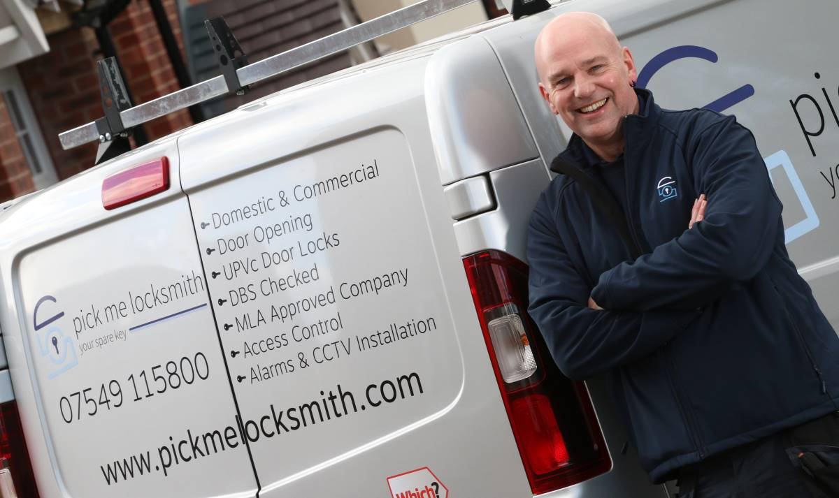 Locksmith Tamworth - Steve Brown - UPVC - Access Control Systems - Alarms Fitter - CCTV Installer - Med